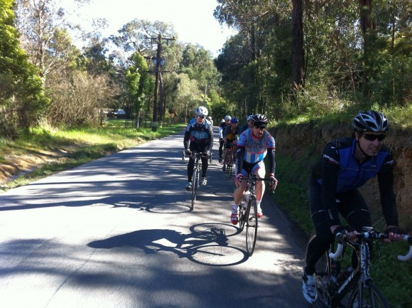 The bunch heading into the final climb of the day: Inverness Road.
