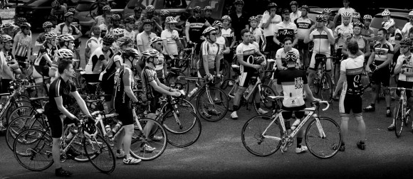 The final rider briefing of the series. (Image: Kirsten Simpson)