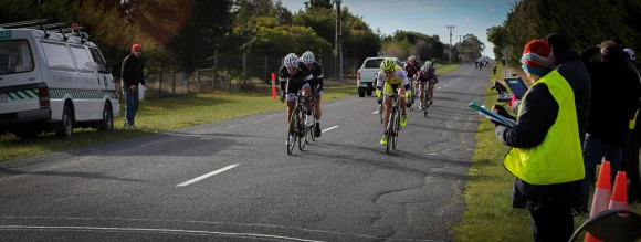 Nicole Whitburn (left) outsprints Flick Wardlaw (right) on stage 3 in women's A grade. (Image: Sharon Ridgway)