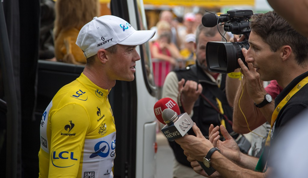 Orica-GreenEDGE's win in the stage 4 TTT put Simon Gerrans in the yellow jersey. Amazing.
