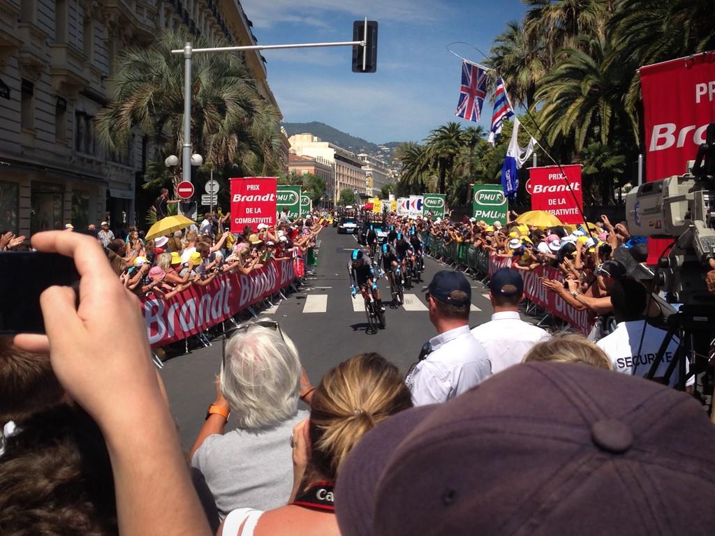 Team Sky tear up the TTT course in Nice.