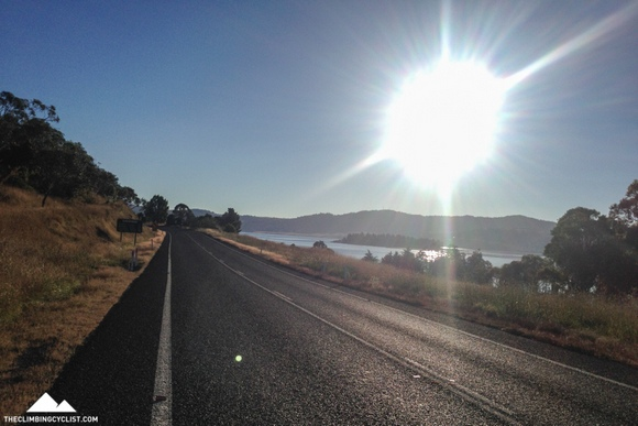 Starting the ride to Charlotte Pass with Lake Jindabyne on my right.