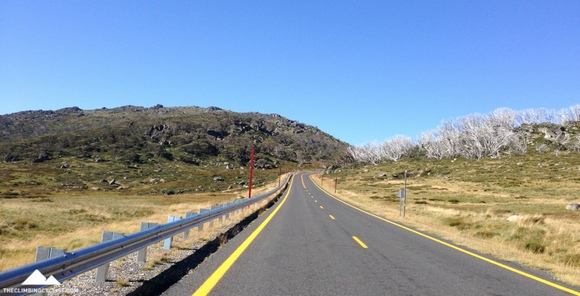 Descending back towards Jindabyne.
