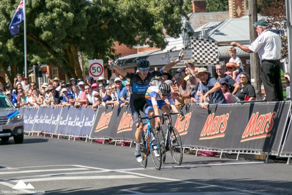 Chris Hamilton beats Lucas Hamilton in the U23 men's road race.